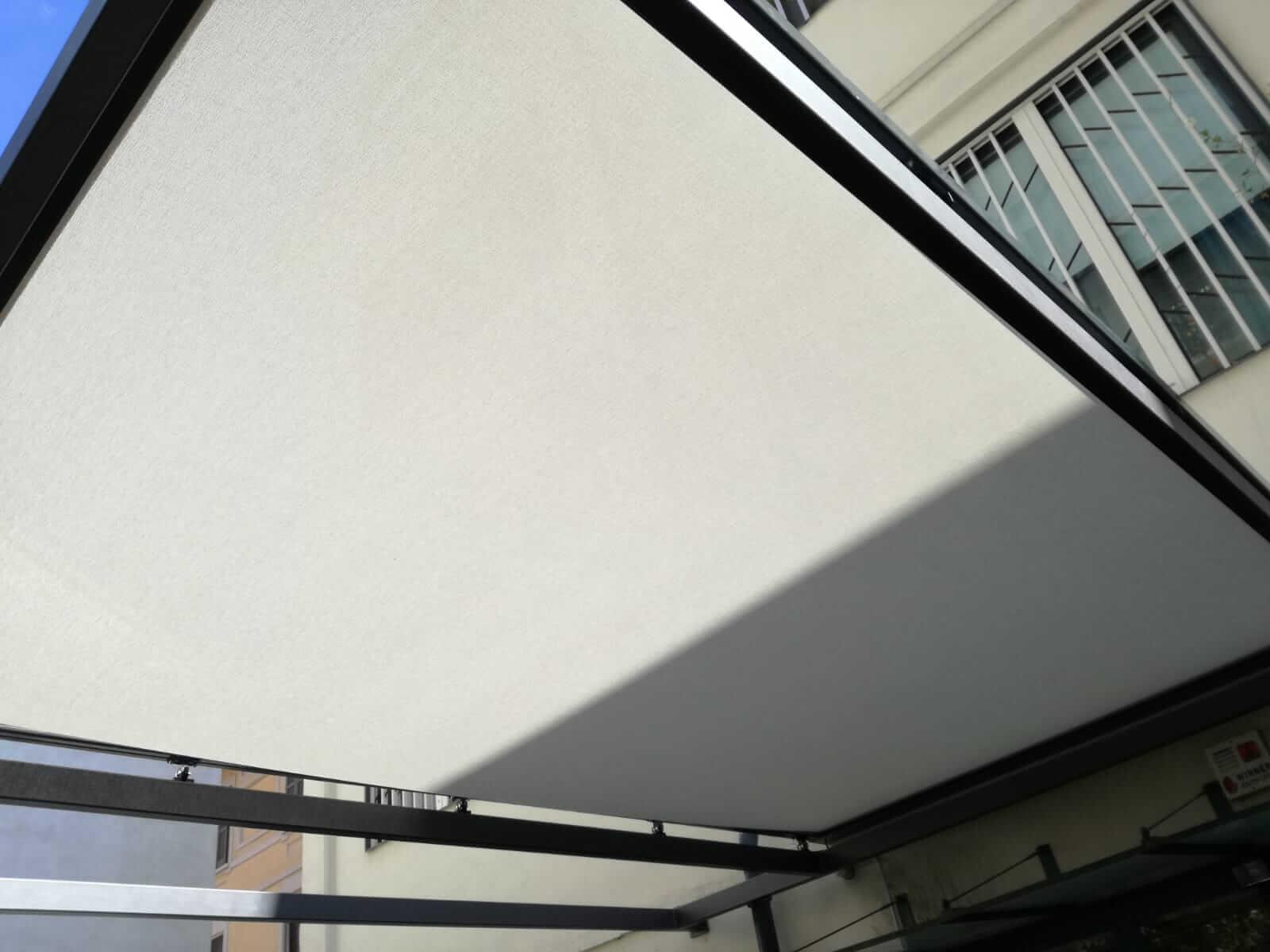 Tenda per veranda motorizzata - Milano