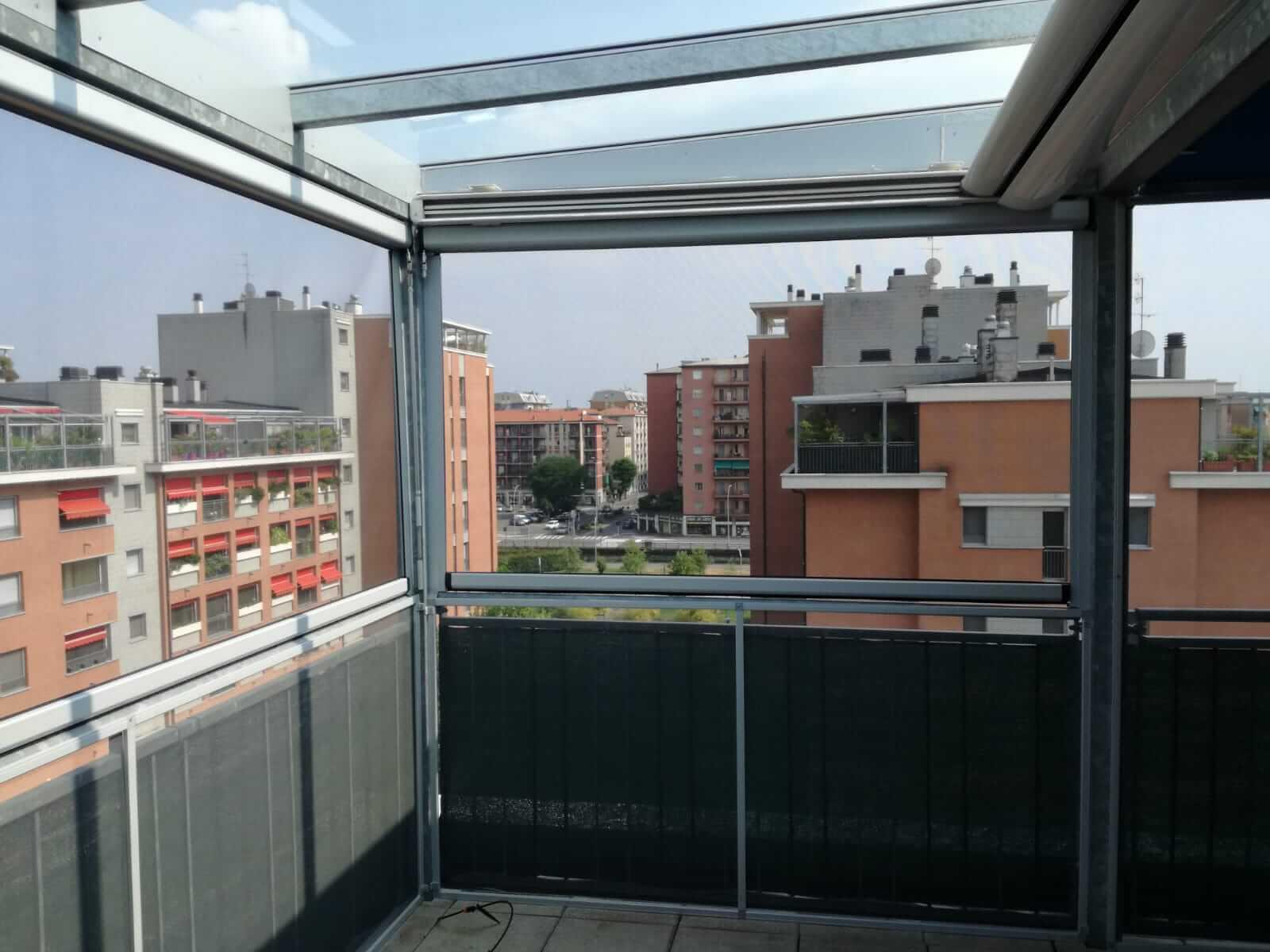 Copertura di terrazzo con zanzariere - Milano - 1