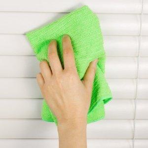 Quando e come pulire le tende a rullo: le 3 regole fondamentali