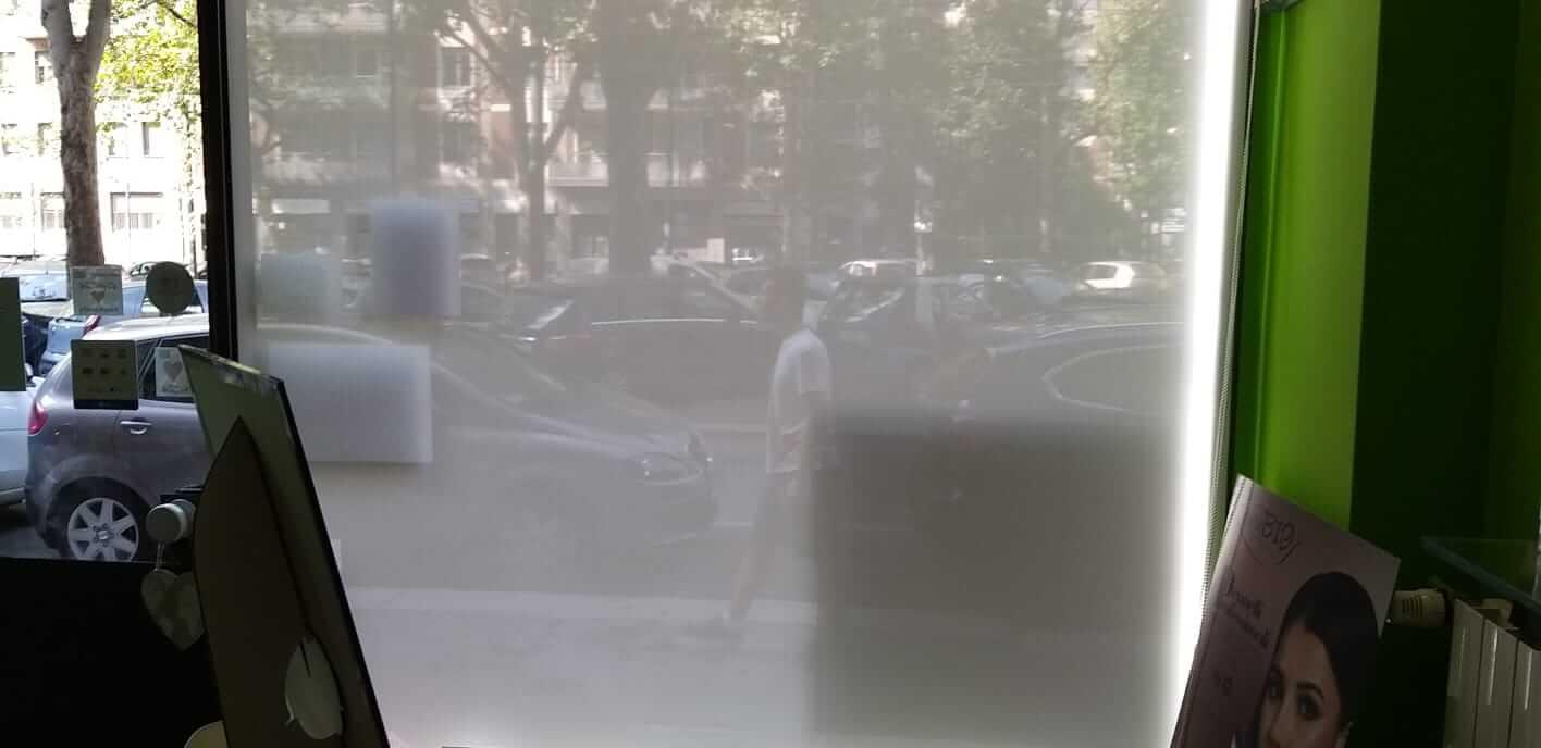 Tende da sole per vetrina a Milano - 1