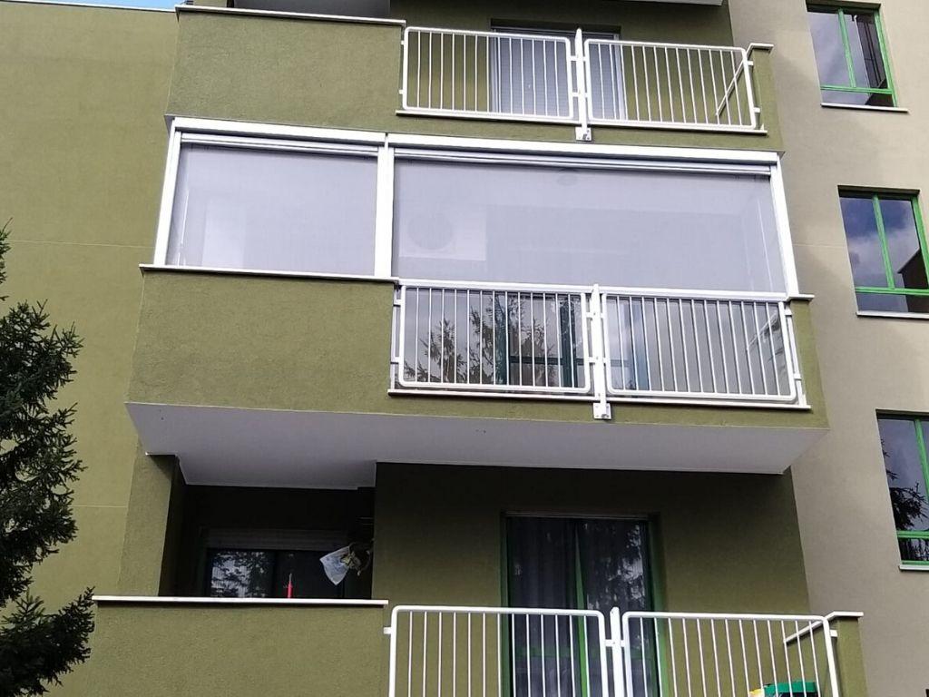 Copertura terrazzo con pvc- tende e zanzariere a Pieve Emanuele (Milano) - 3