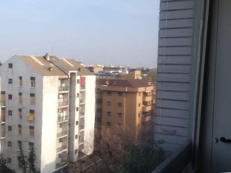 Chiusura balconi con tende in pvc cristal a Monza Brianza